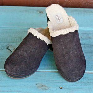 Crocs Suede Fleece Sarah Clogs Mules Heels Size 6